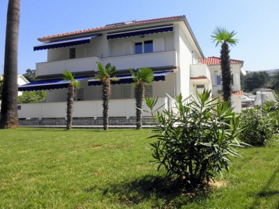 stay in rab apartments SZ9 400x300 - Apartments Smilja, Rab