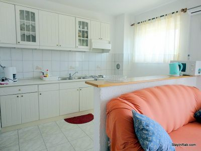 stayinrab oliveapartment terrace 12 400x300 - Yellow Olive Accommodation